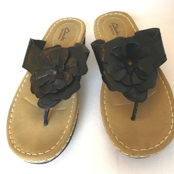 867722720013 Clarks Shoes - Women s 11M Sandals Black Flower Tan Clarks